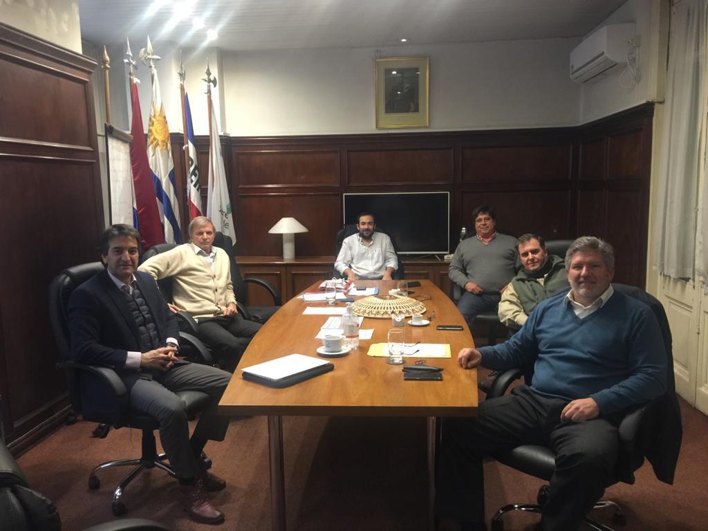 federación Uruguaya de Tiro Práctico